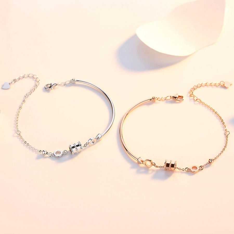 Simple and stylish sterling silver bracelet for ladies with a small waist
